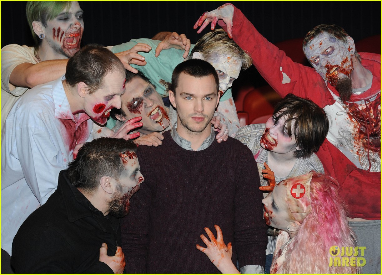 teresa palmer nicholas hoult warm bodies london photo call 05