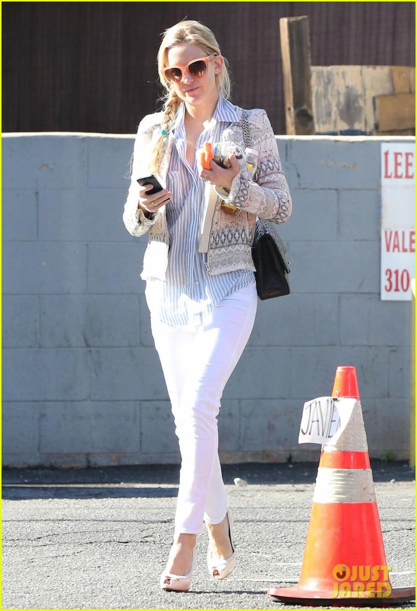 Kate Hudson: Nail Salon Stop!: Photo 2799452 | Kate Hudson Pictures ...