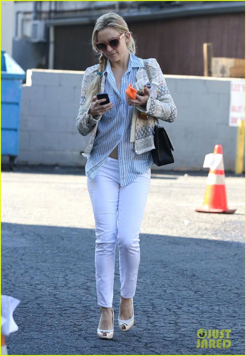 Kate Hudson: Nail Salon Stop!: Photo 2799458 | Kate Hudson Pictures ...