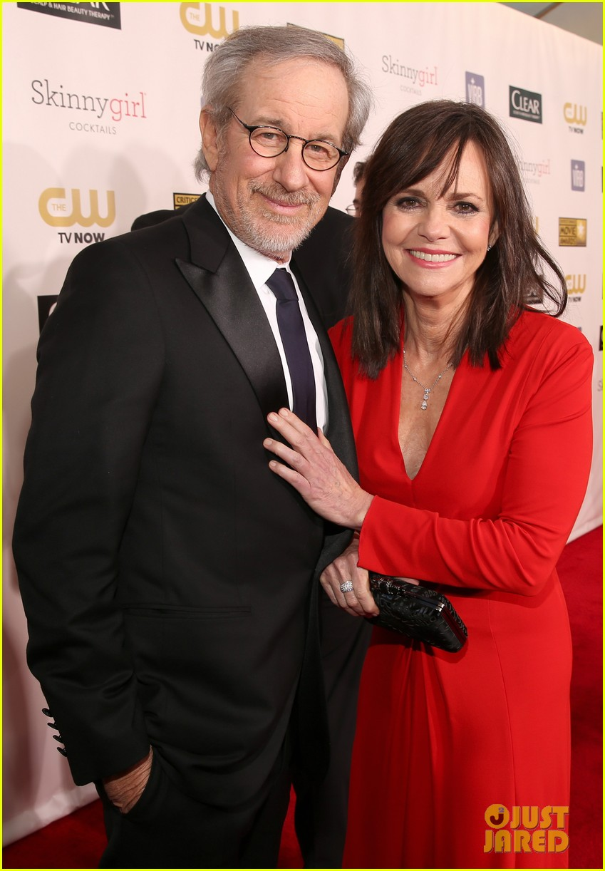 helen hunt sally field critics choice awards 2013 022788849