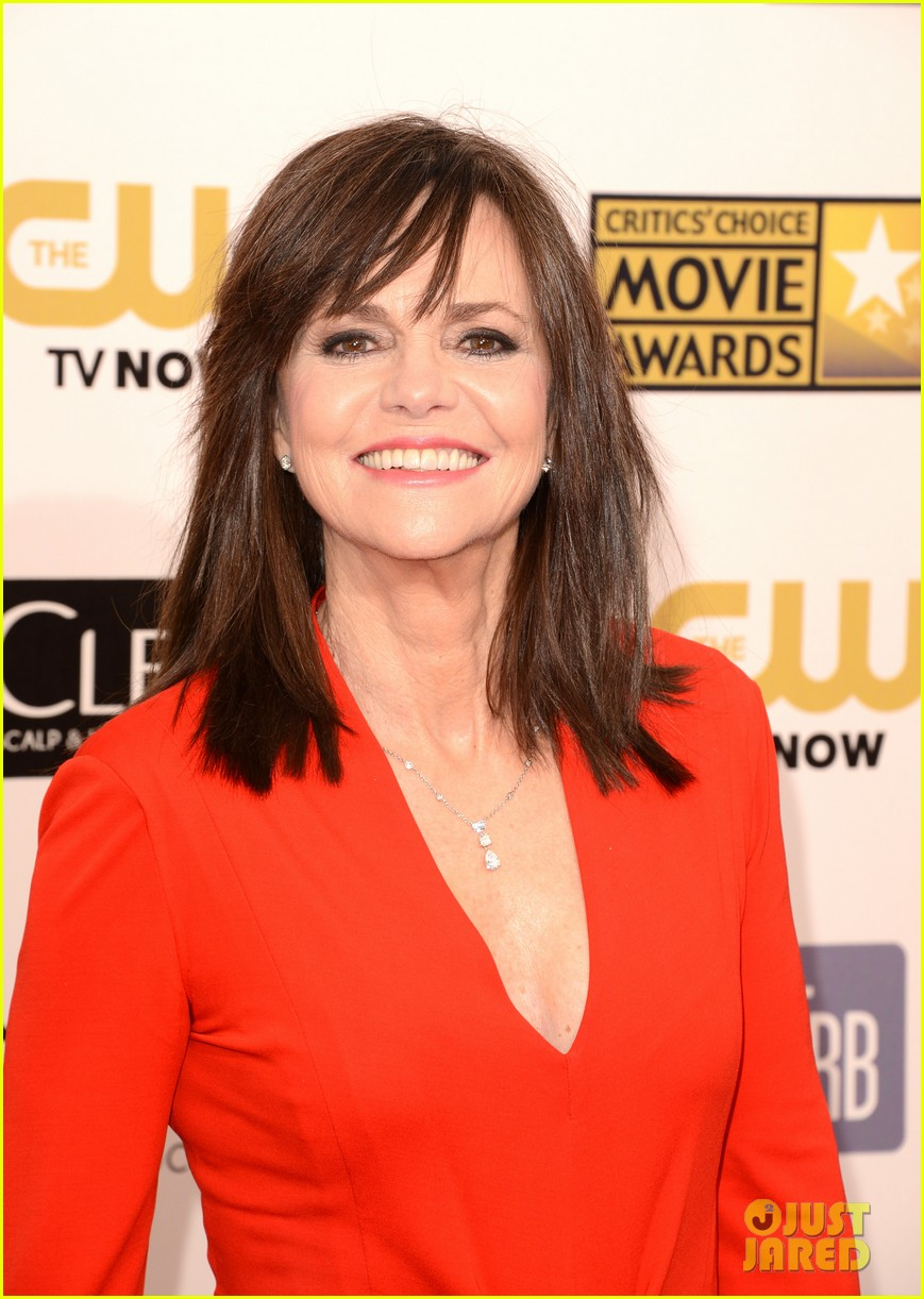helen hunt sally field critics choice awards 2013 062788853