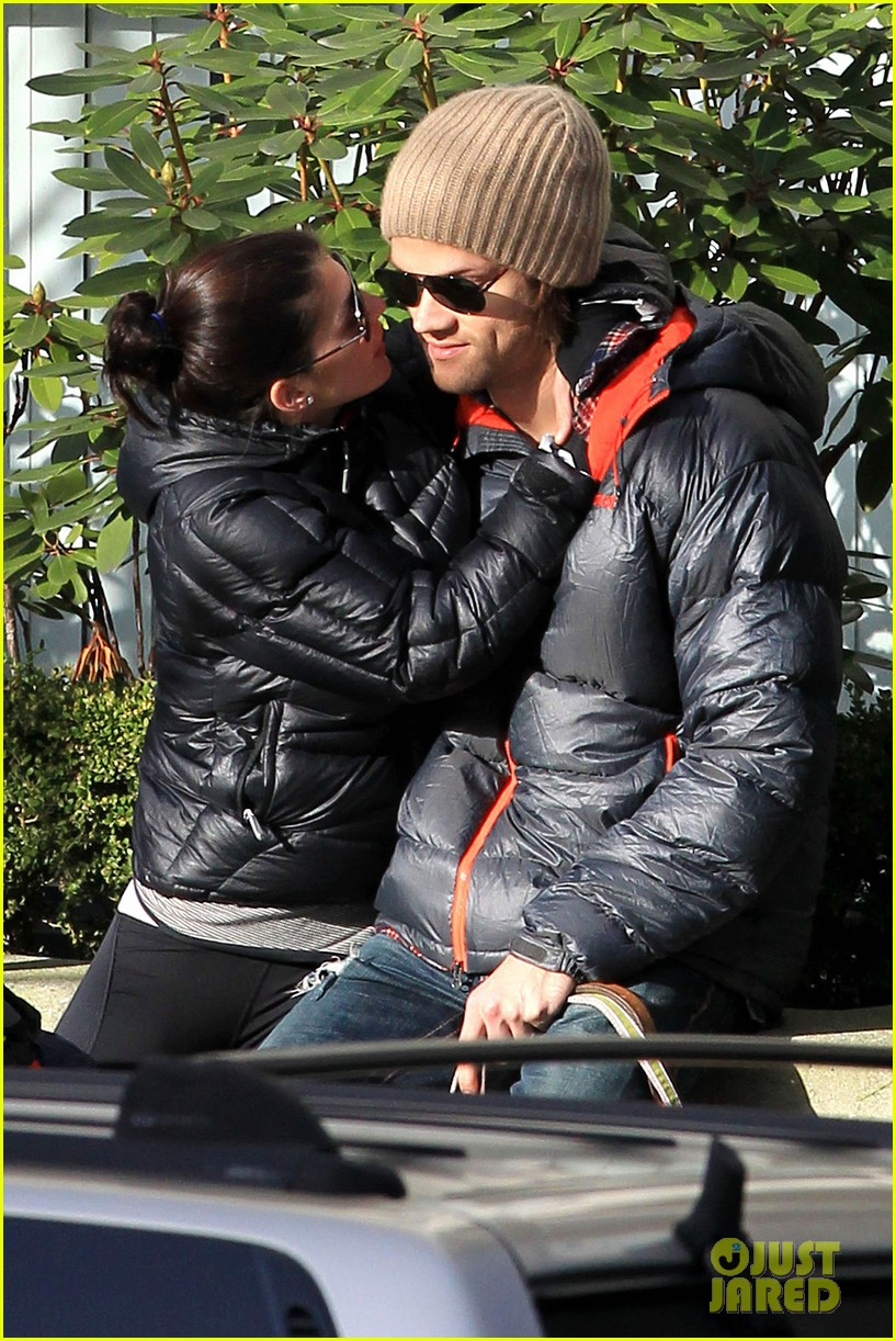 jared padalecki genevieve cortese park playdate with thomas 032795354