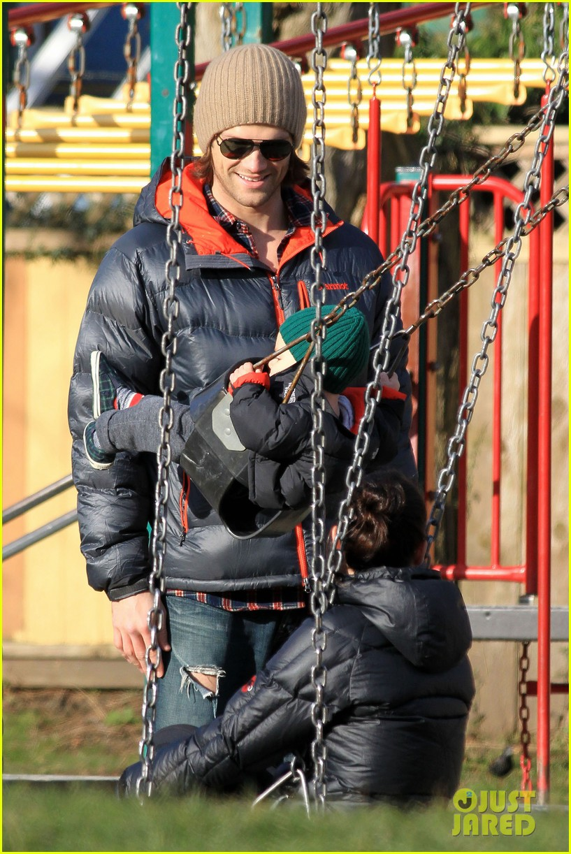 jared padalecki genevieve cortese park playdate with thomas 042795355