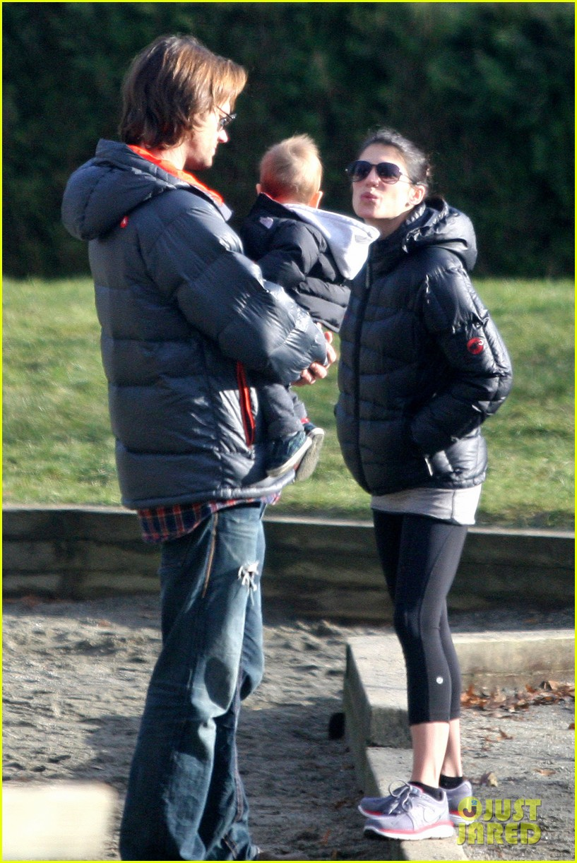 jared padalecki genevieve cortese park playdate with thomas 102795361