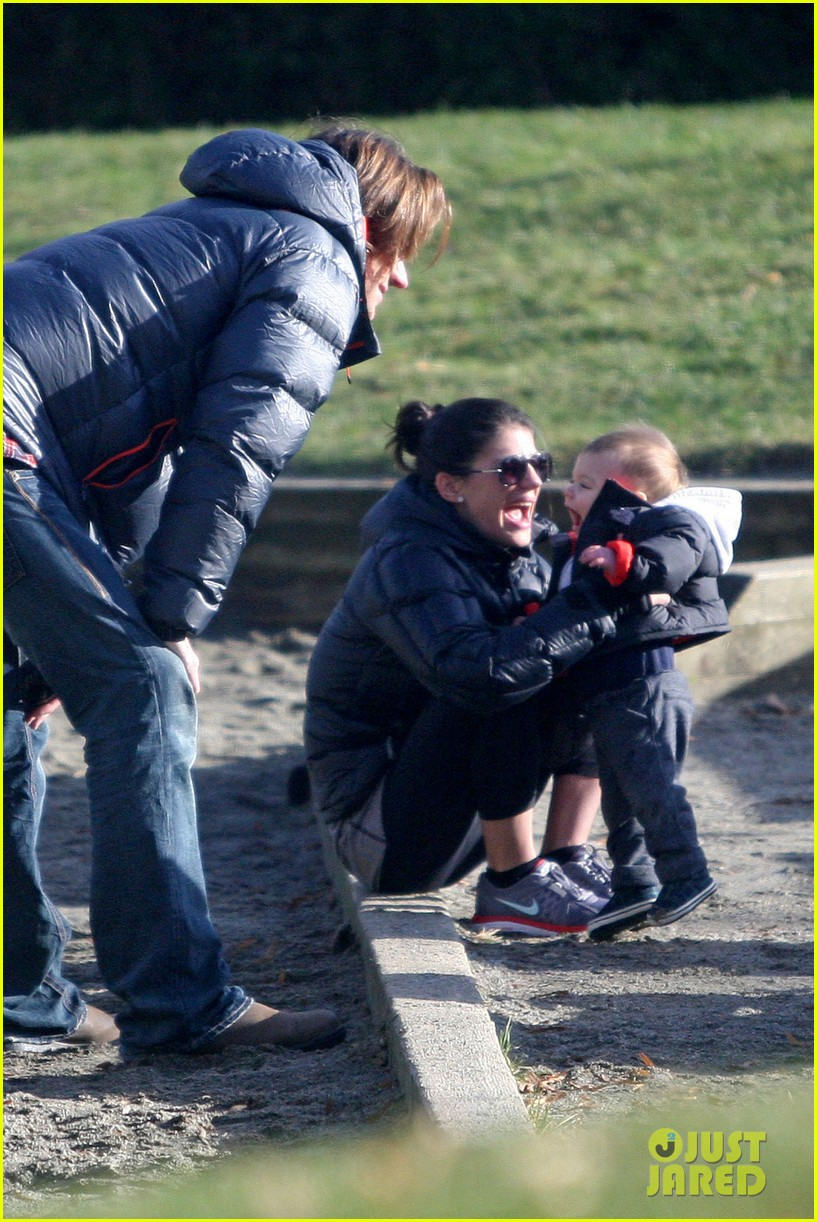 jared padalecki genevieve cortese park playdate with thomas 21