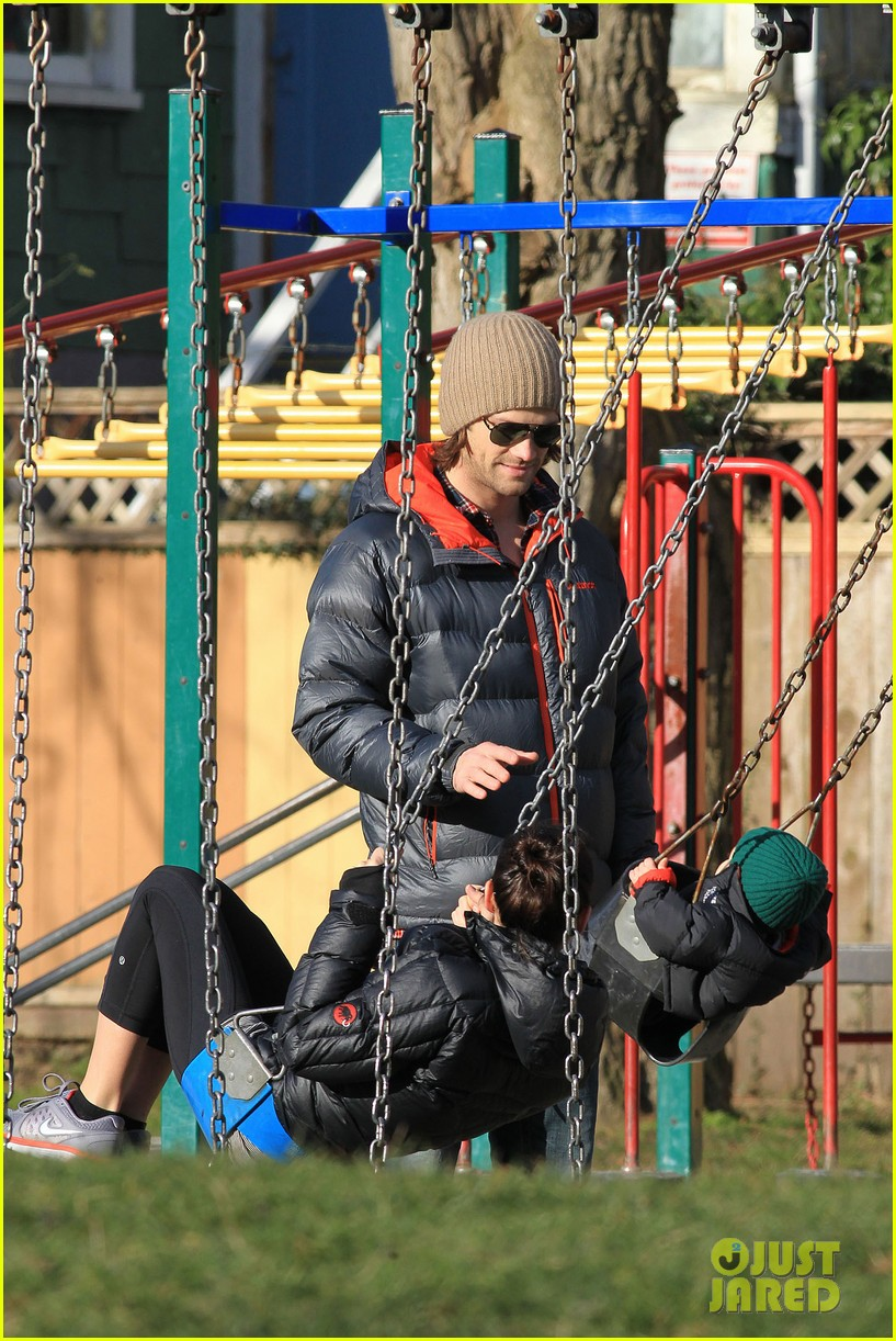 jared padalecki genevieve cortese park playdate with thomas 232795374
