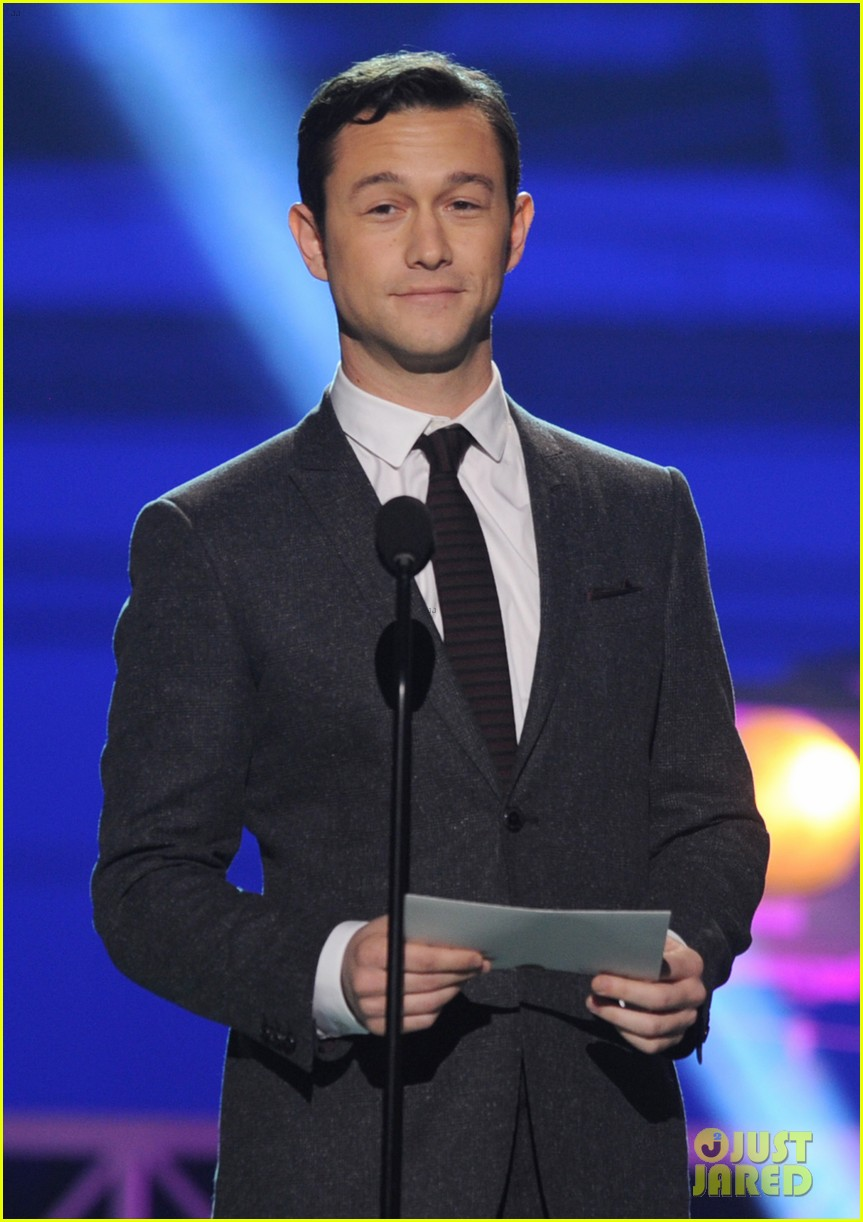 jgl bale critics choice awards 07