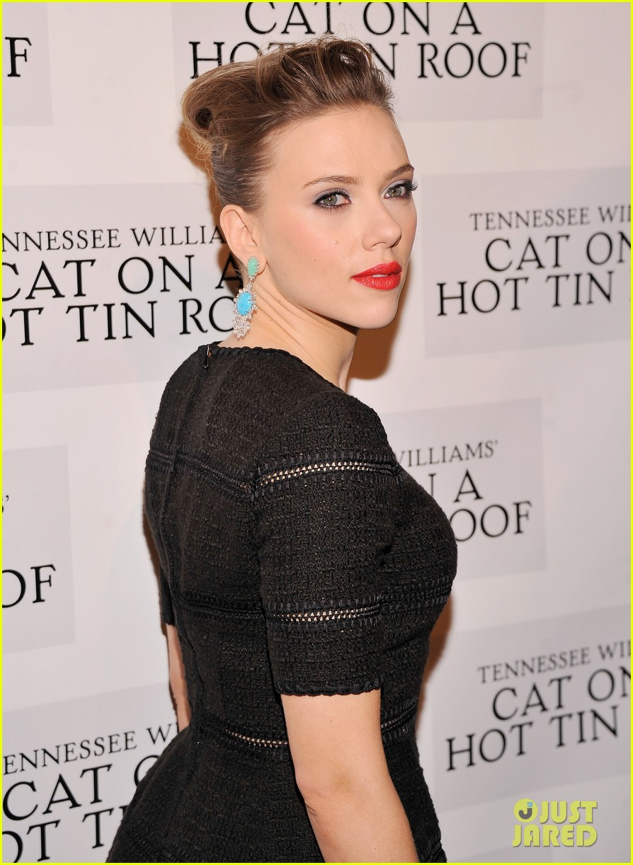 scarlett johansson cat on a hot tin roof opening party 02