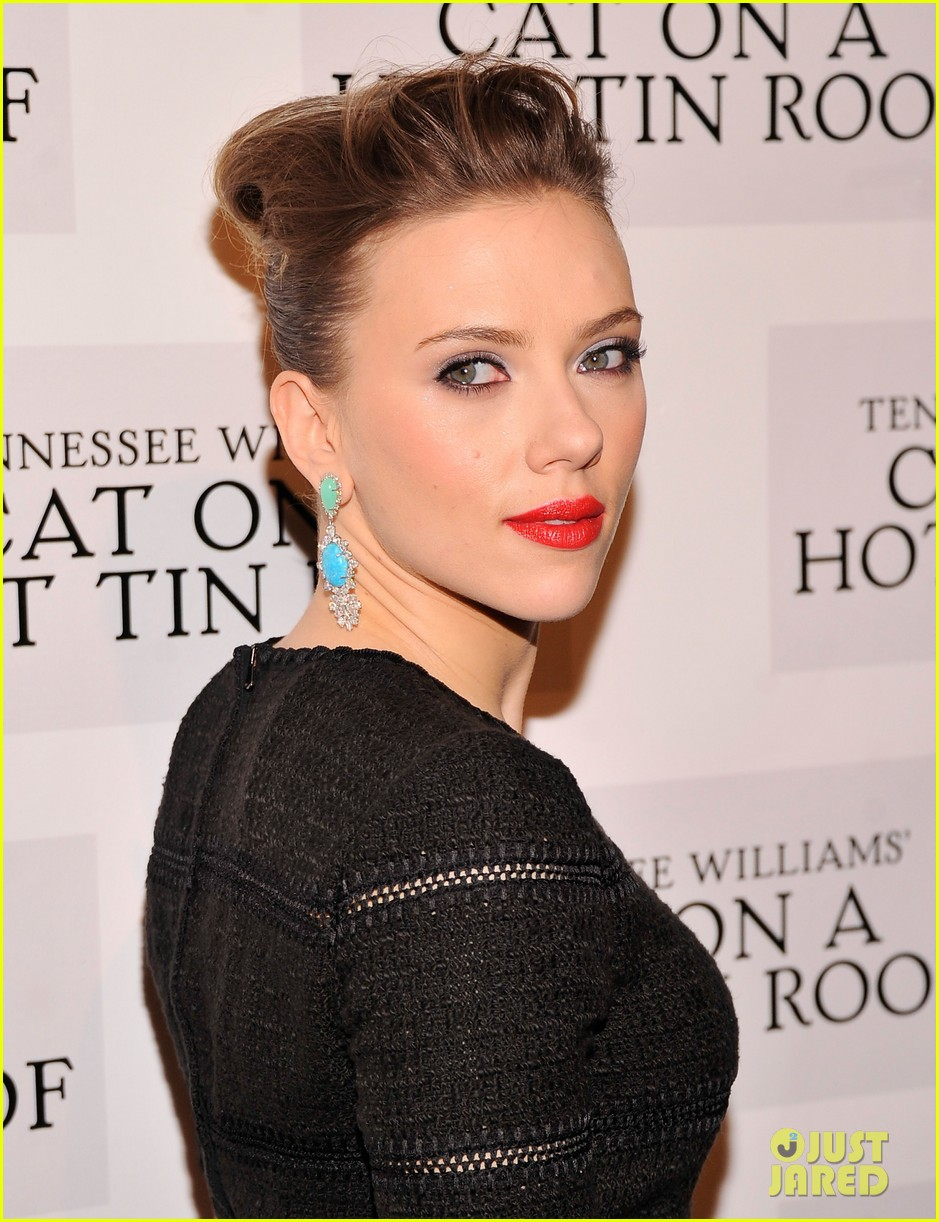 scarlett johansson cat on a hot tin roof opening party 23