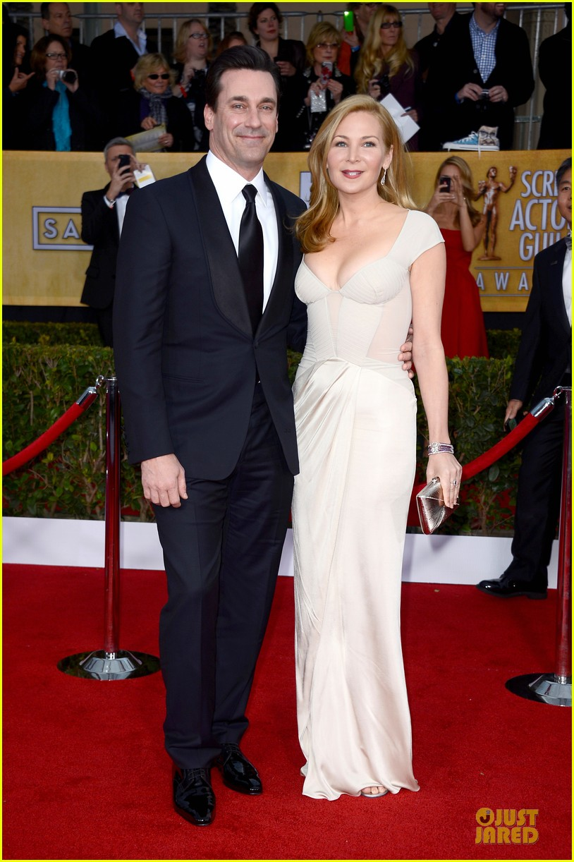 january jones jon hamm sag awards 2013 red carpet 03
