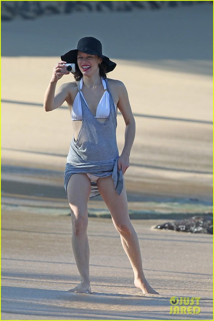 Milla Jovovich Paul W S Anderson Maui Beach With Ever
