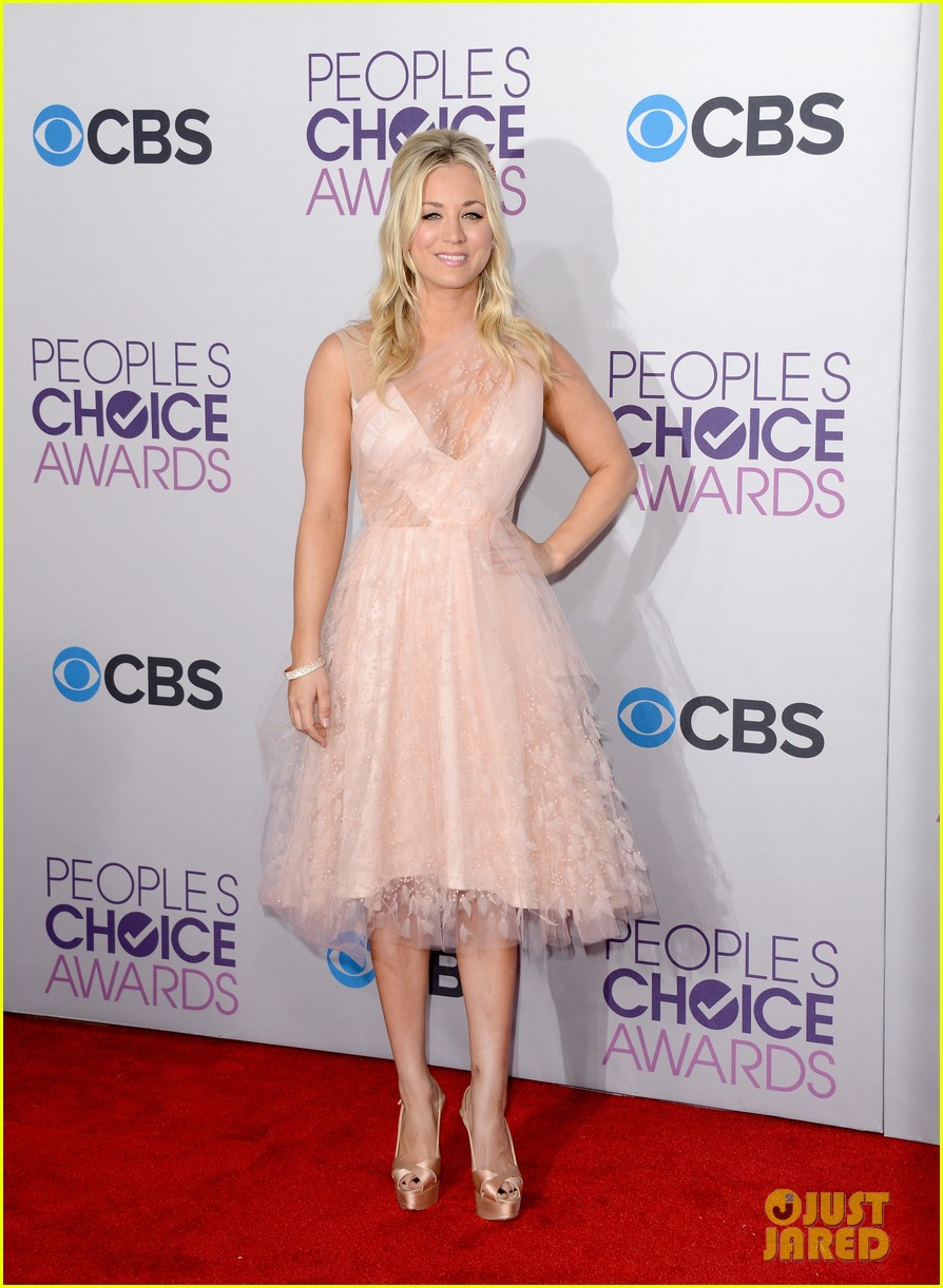 kaley cuoco peoples choice awards 2013 01