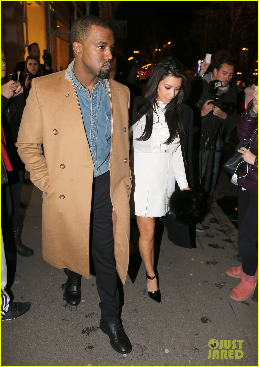 kanye west kim kardashian balenciaga shoppers 082789304