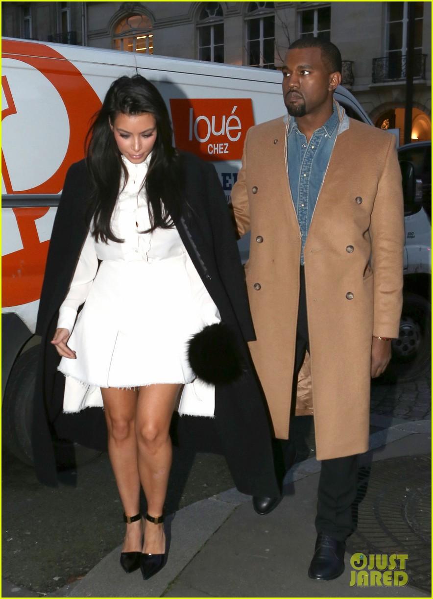 kanye west kim kardashian balenciaga shoppers 09