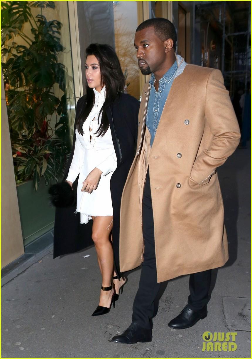 kanye west kim kardashian balenciaga shoppers 16