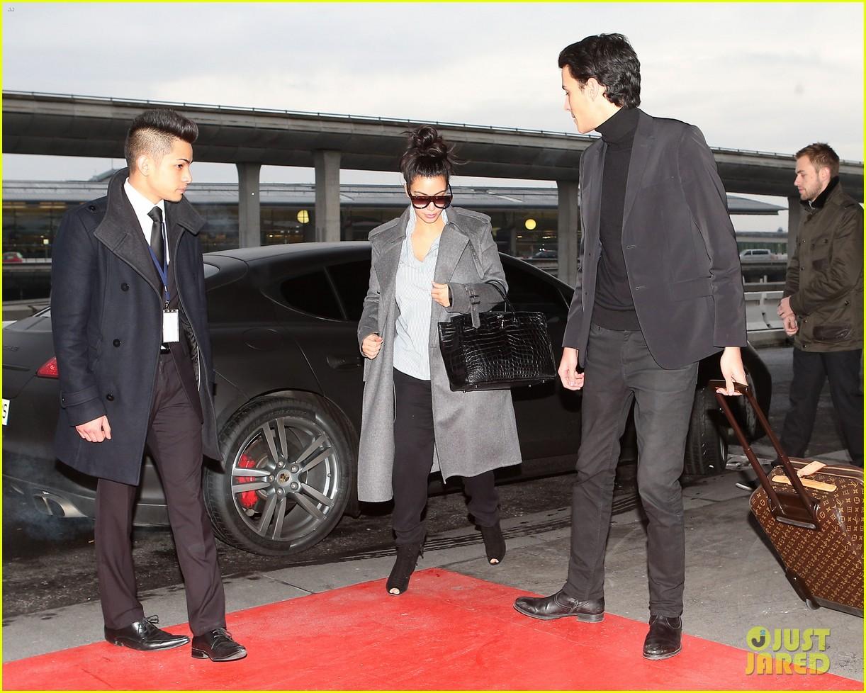 kim kardashian back from paris 032790752