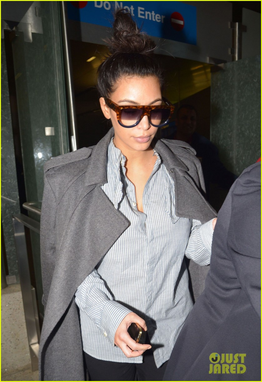 kim kardashian back from paris 04