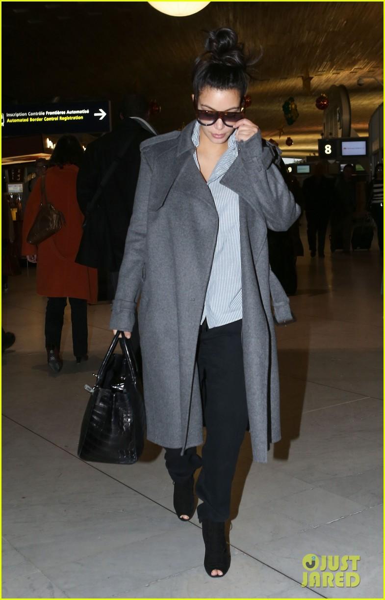 kim kardashian back from paris 112790760