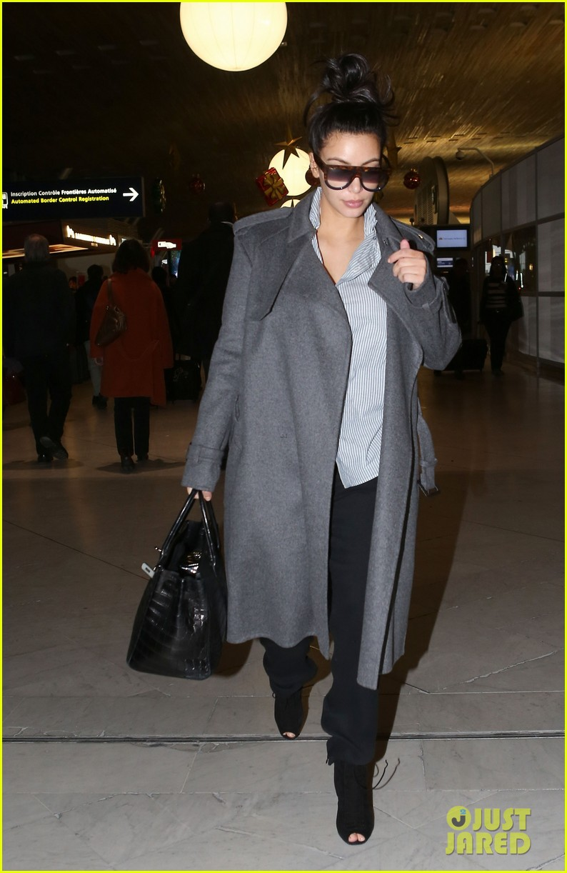 kim kardashian back from paris 12