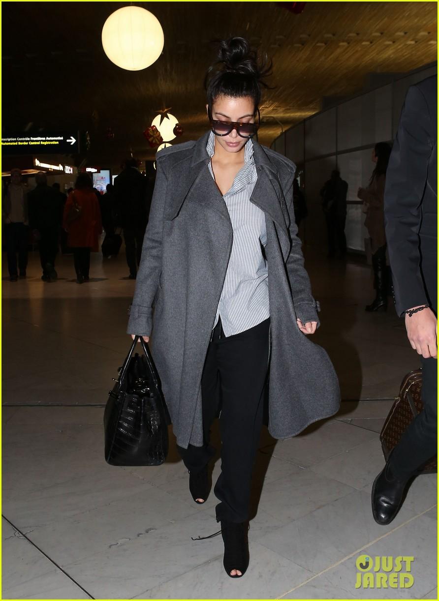 kim kardashian back from paris 132790762