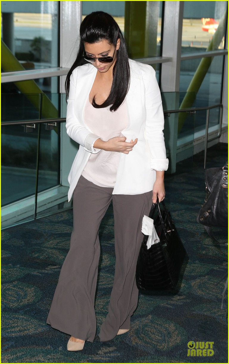 pregnant kim kardashian will be in abidjan for two events 052785830