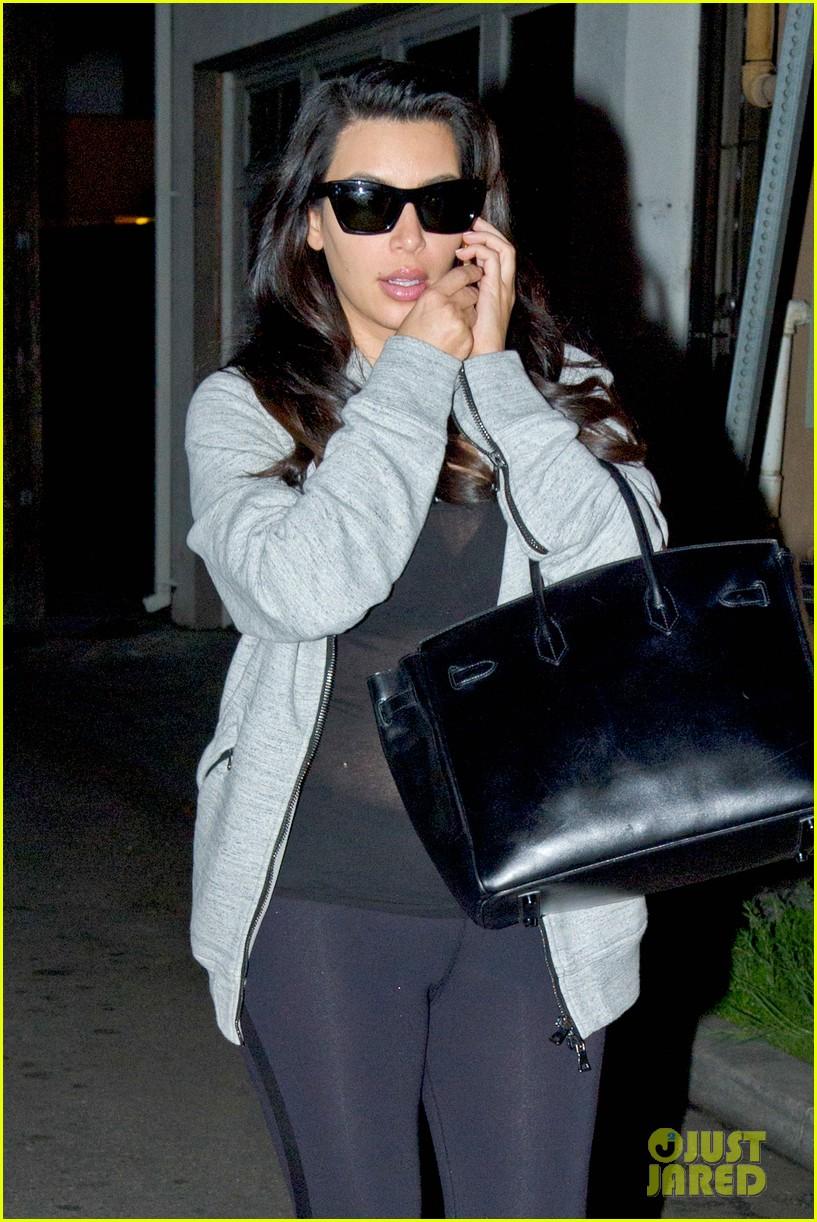 kim kardashian baby bump revealed new pics 022801786