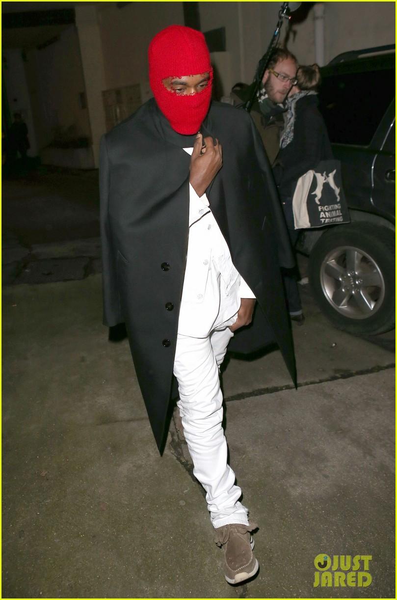 kim kardashian heads to dinner kanye west is super cold 052797554