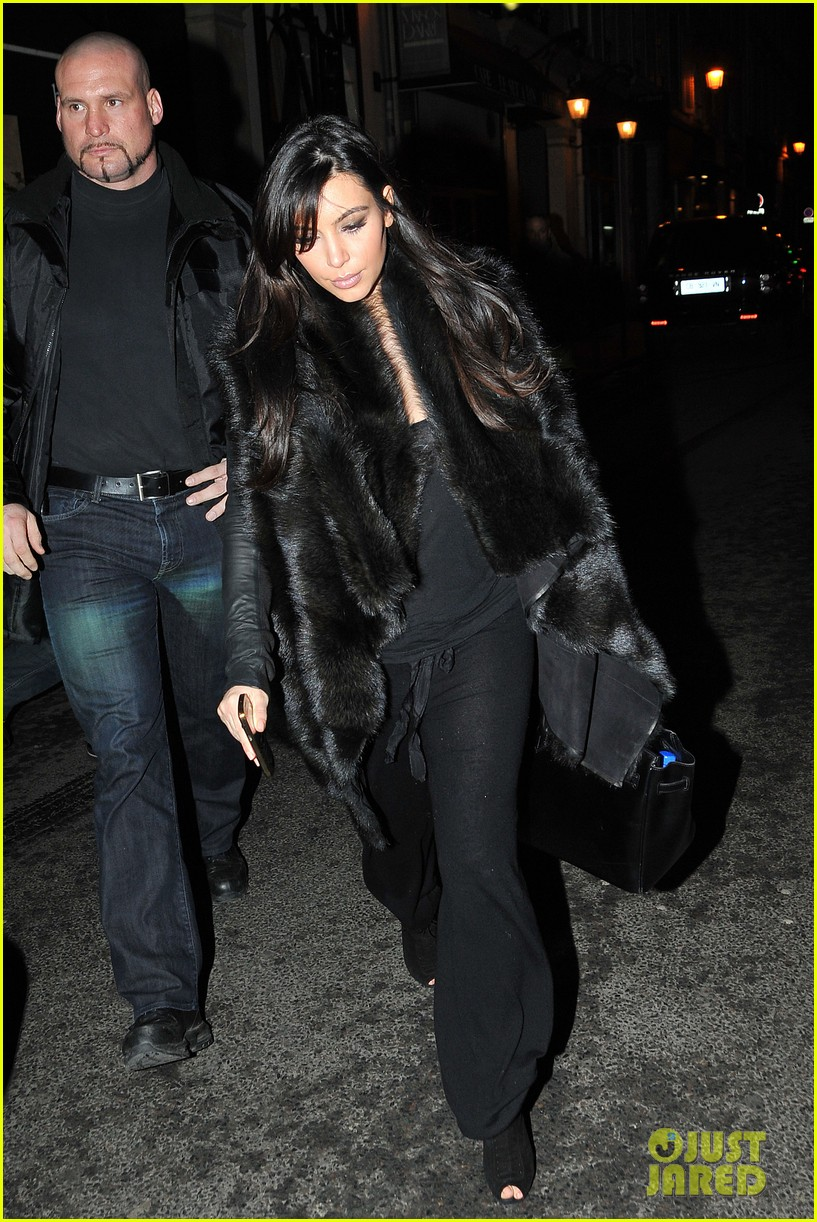 kim kardashian heads to dinner kanye west is super cold 132797562
