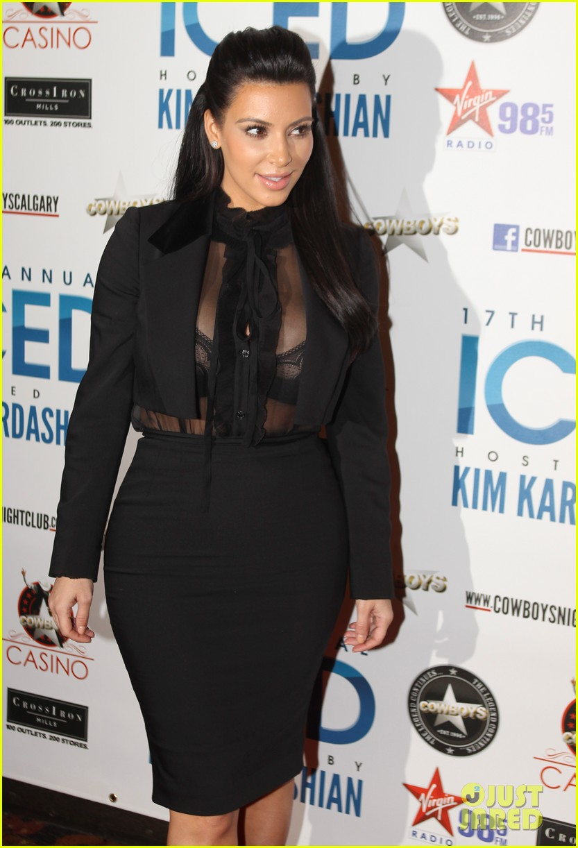 pregnant kim kardashian sheer top at iced event 082785089