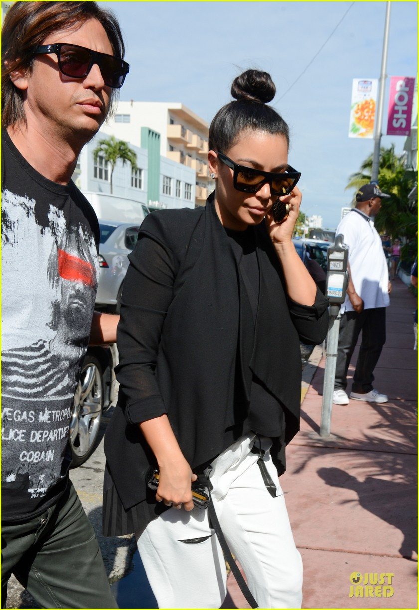 kim kardashian lunch & shopping with jonathan cheban 022786643