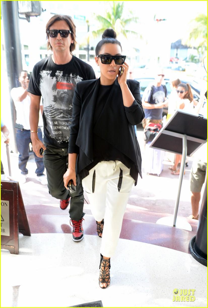 kim kardashian lunch & shopping with jonathan cheban 082786649