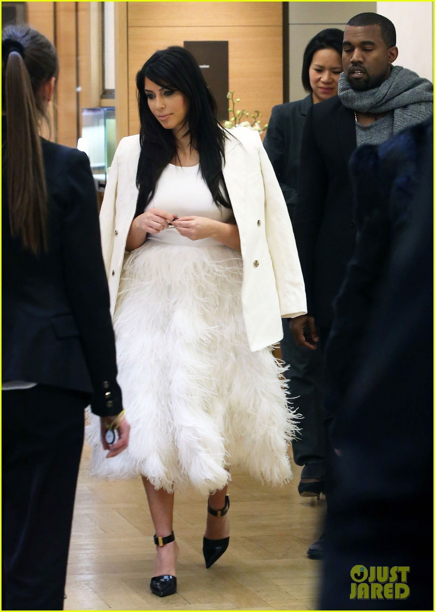 kim kardashian kanye west day off in paris 102798602