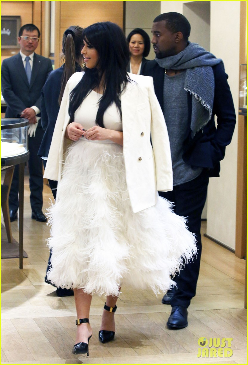 kim kardashian kanye west day off in paris 112798603