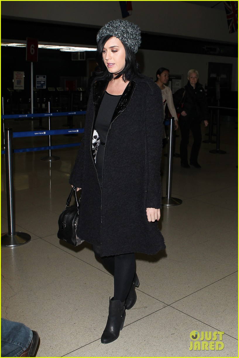 katy perry eva longoria arrive at lax after inauguration 082797318