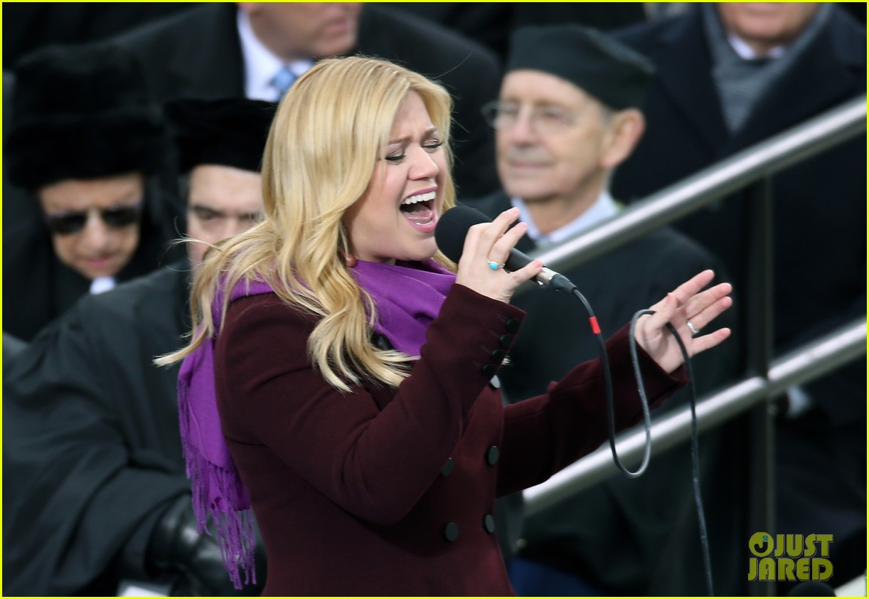 kelly clarkson inauguration performance watch now 022796130