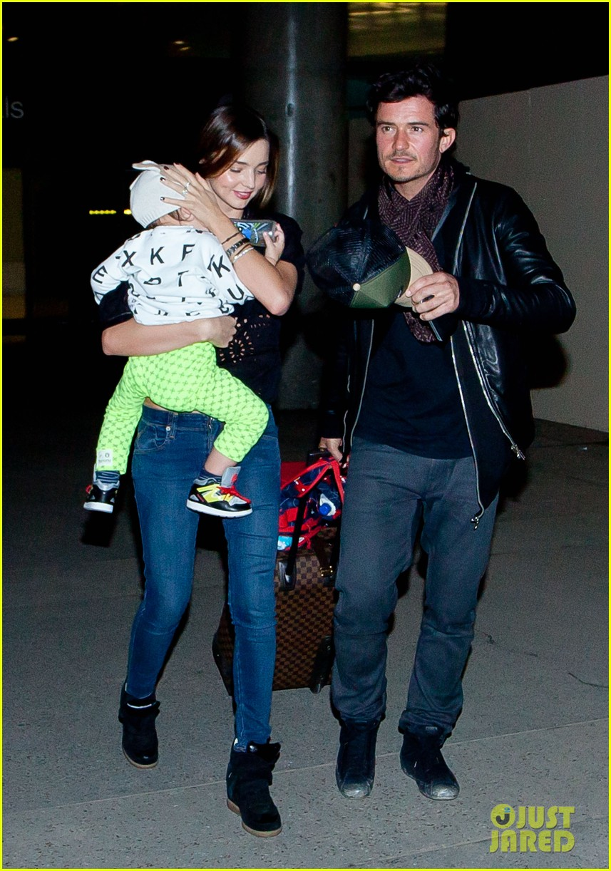 miranda kerr orlando bloom leave cancun for la 062800016