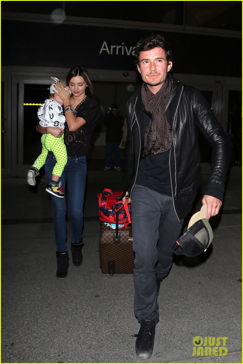 miranda kerr orlando bloom leave cancun for la 132800023
