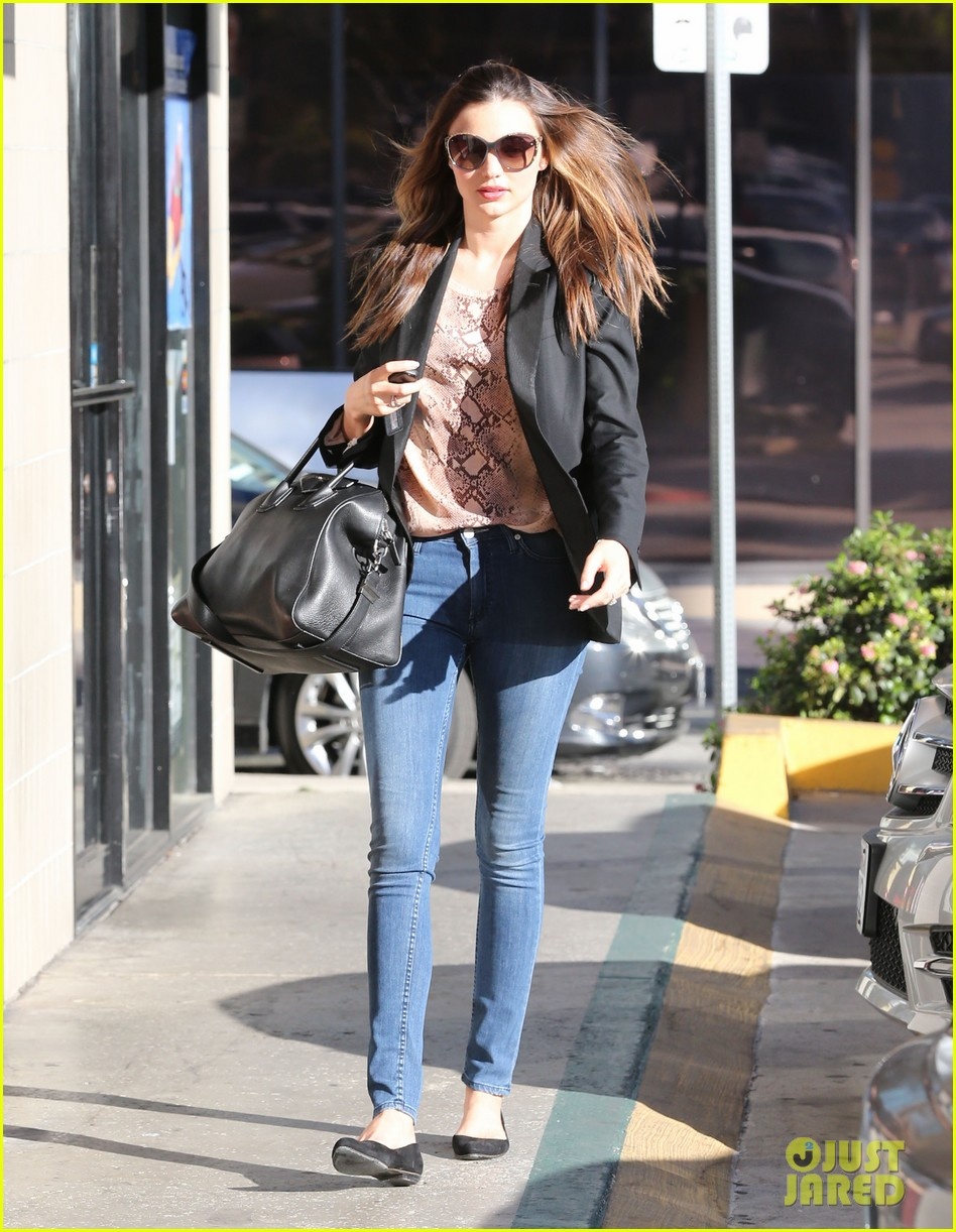 miranda kerr gets pampered orlando bloom goes for a ride 012796291