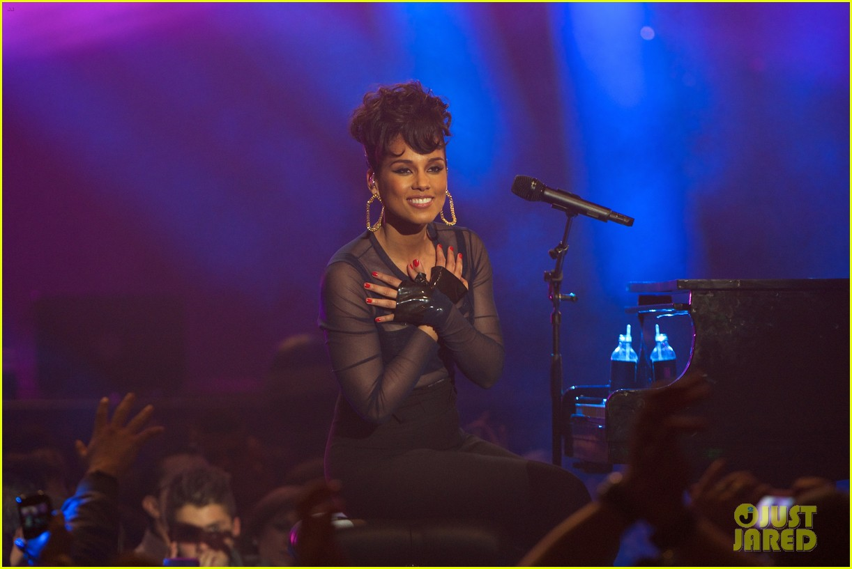 alicia keys 40 principales awards performance watch now 132798271