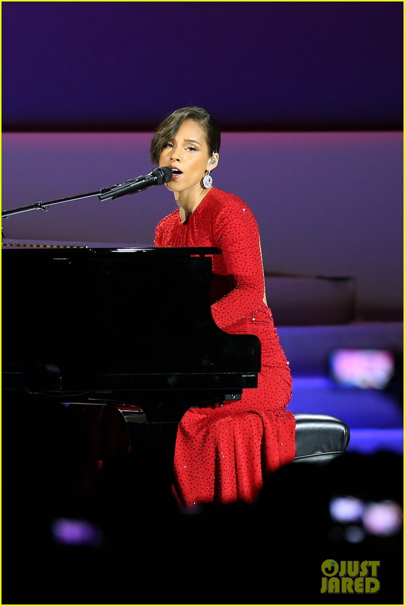 alicia keys inaugural ball performance 13