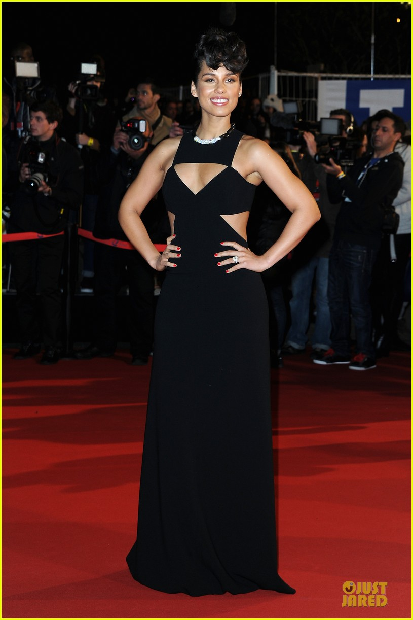 alicia keys nrj music awards 2013 red carpet 092798871