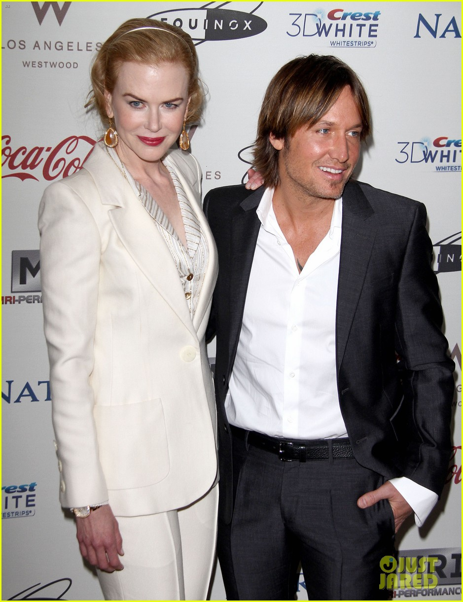 nicole kidman keith urban hold meets golden 05