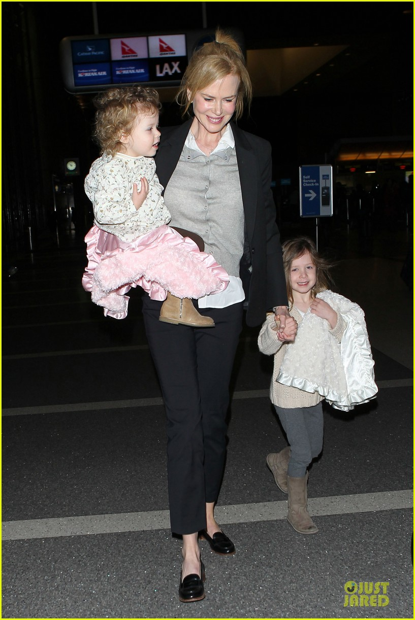 nicole kidman post sag awards lax departure with the girls 01