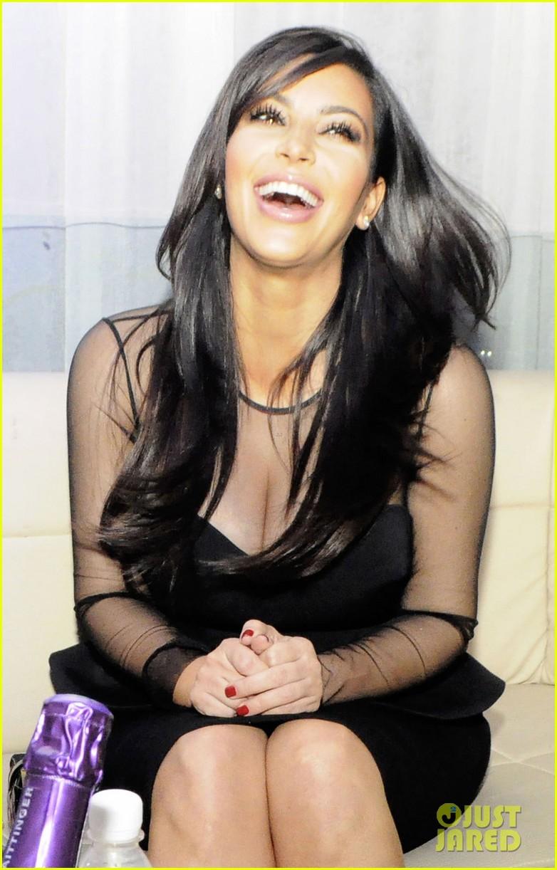 kim kardashian kourtney kim take miami premieres tonight 032795421