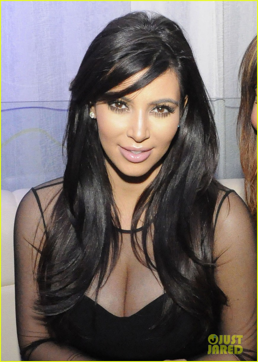kim kardashian kourtney kim take miami premieres tonight 042795422