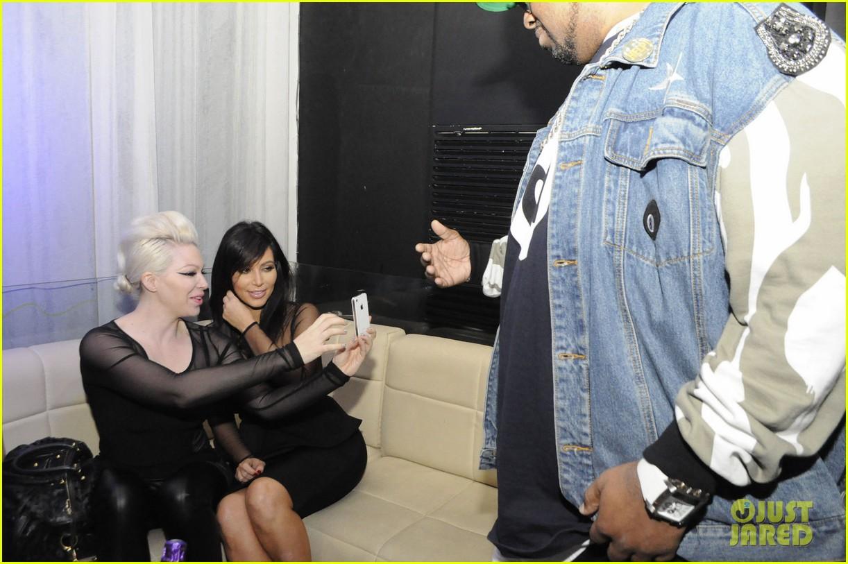 kim kardashian kourtney kim take miami premieres tonight 072795425