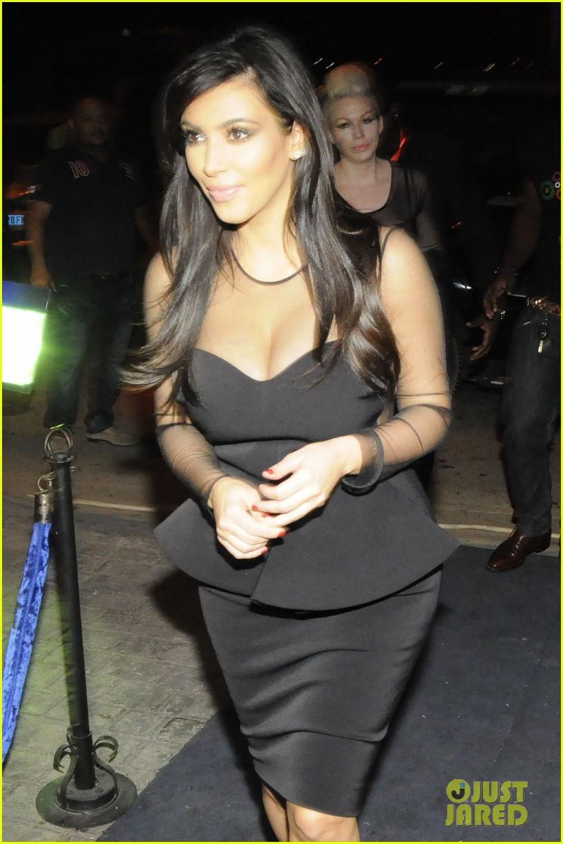 kim kardashian kourtney kim take miami premieres tonight 122795430