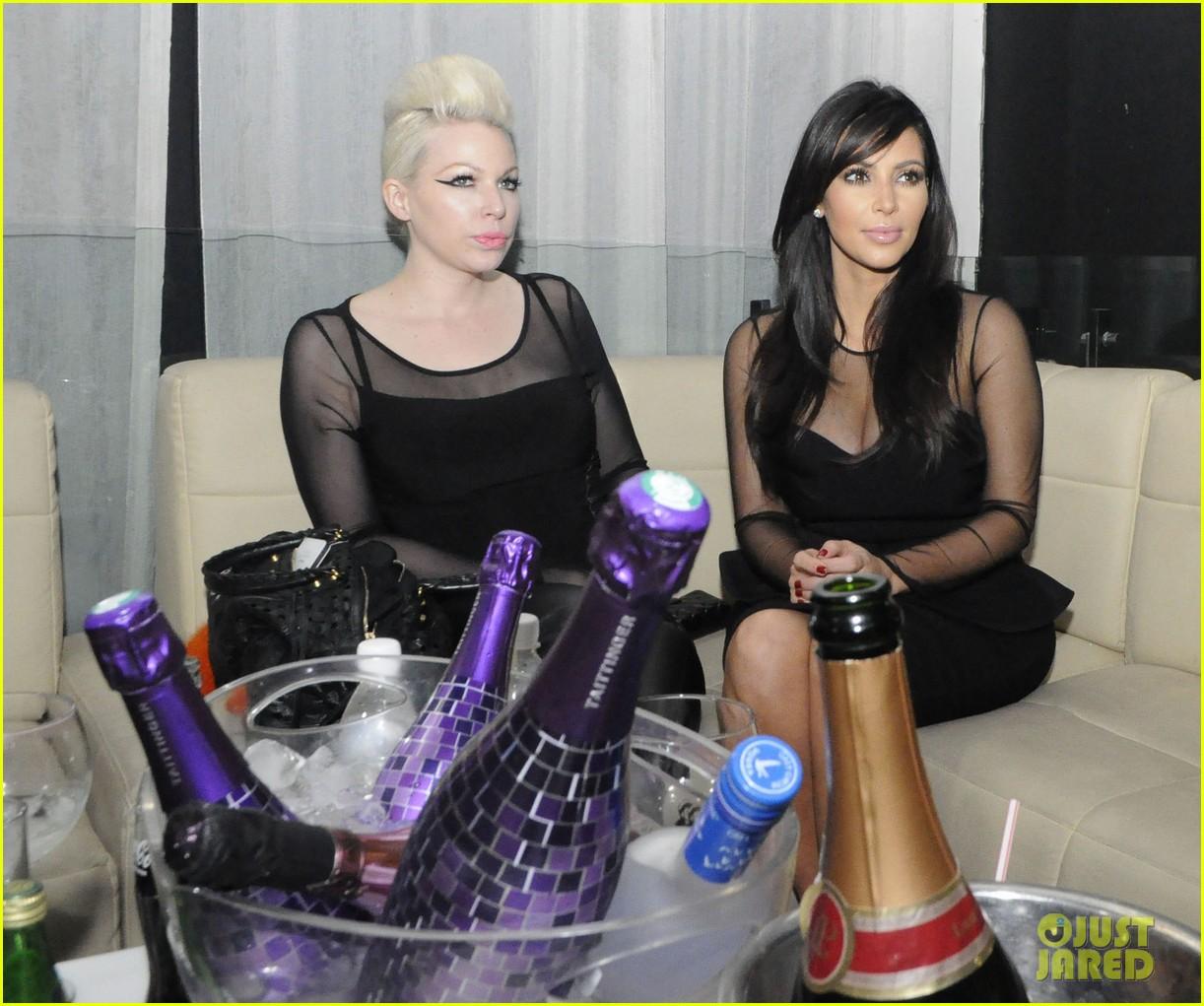 kim kardashian kourtney kim take miami premieres tonight 162795434