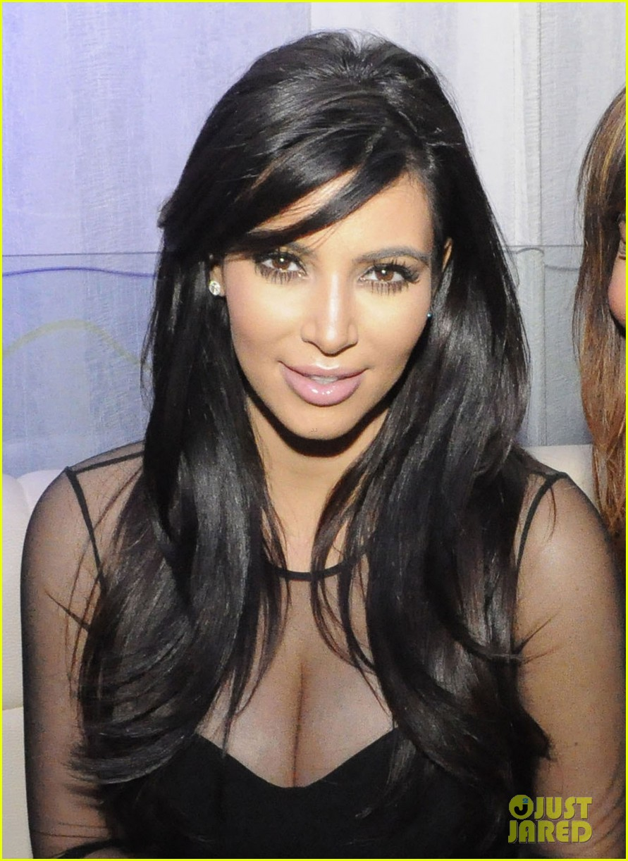 kim kardashian kourtney kim take miami premieres tonight 222795440
