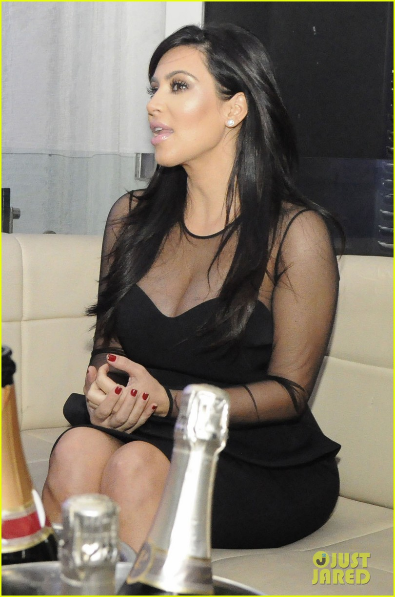 kim kardashian kourtney kim take miami premieres tonight 252795443